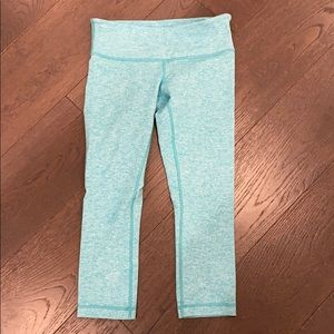 Teal Lululemon crop leggings